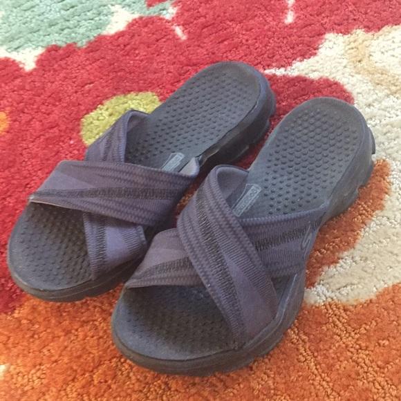 Skechers Goga Mat Crisscross Sandals